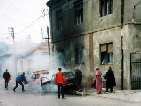 Na današnji dan pre 20 godina NATO kasetnim bombama posuo Niš