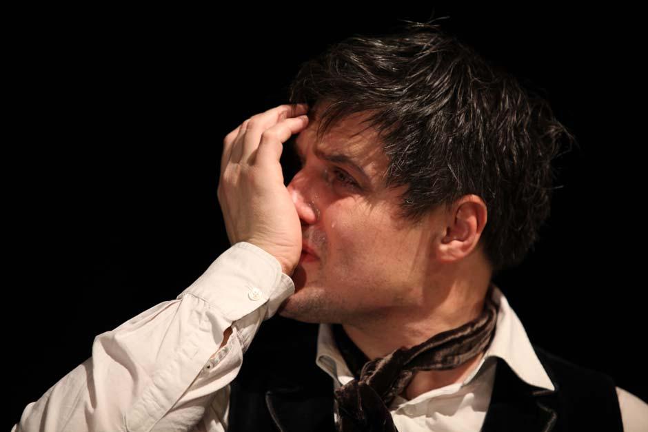 Nebojša Dugalić pred leskovačkom publikom kao Dmitri Karamazov