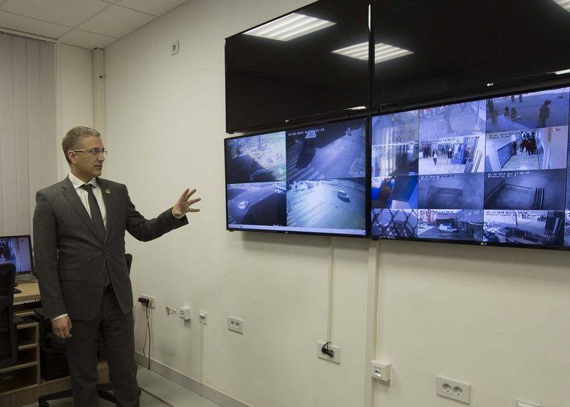 Ministar policije tvrdi da su svi novinari u Srbiji bezbedni