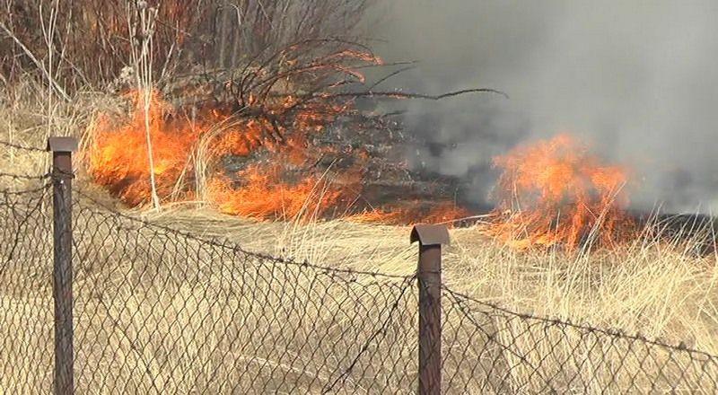Ugašen požar kod pružnog prelaza
