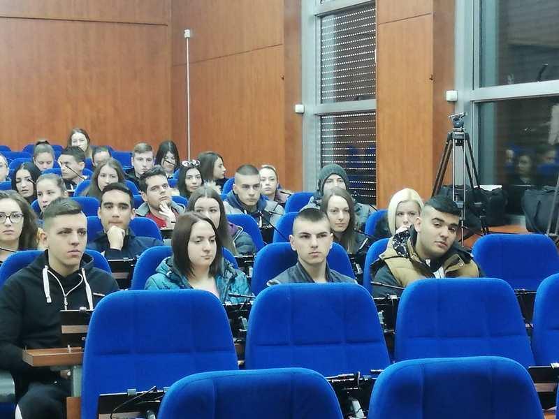 Studenti na stručnoj praksi u javnim preduzećima
