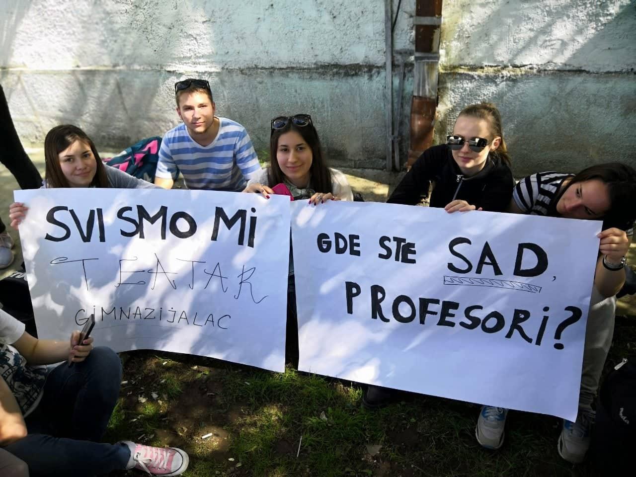 Iz ugla organizatora protesta učenika u Lebanu zbog zabranjene predstave: Ne dajte na sebe!