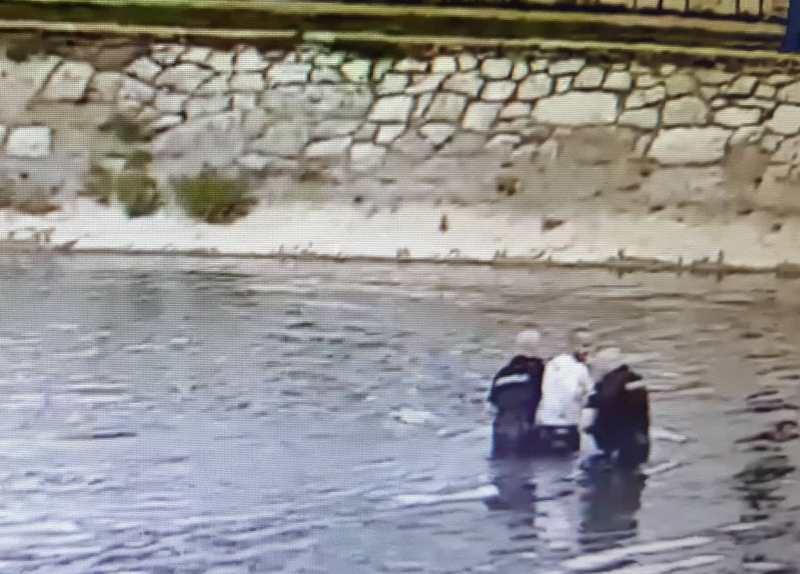 Posle jurnjave kroz grad, opkoljen i uhapšen usred Nišave (VIDEO)