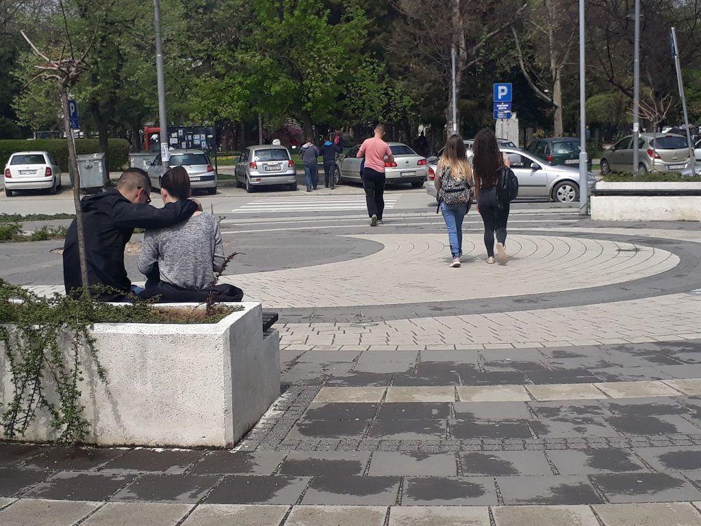 Naša omladina nema poverenje u institucije i političare, najviše veruju u sebe, a ne bi se družili sa Albancima i LGBT populacijom
