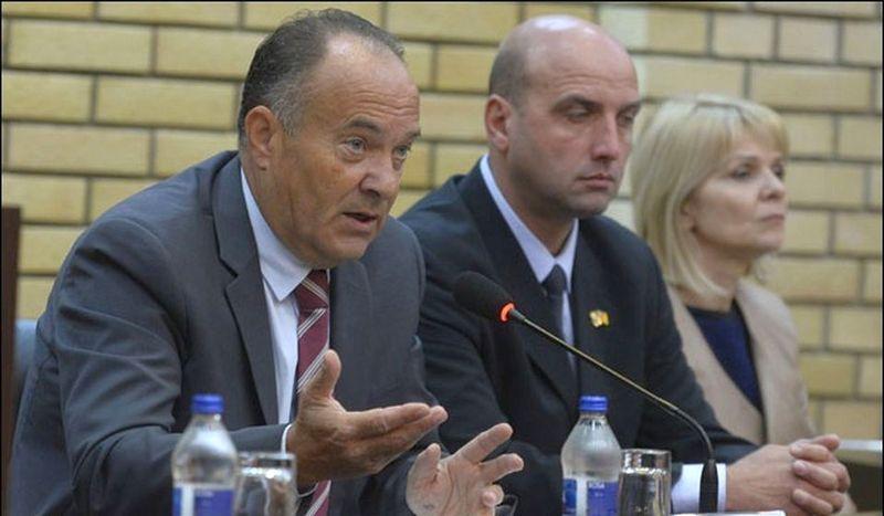 Da li ministar Šarčević ima pravo da zabrani upis dece u prvi razred?