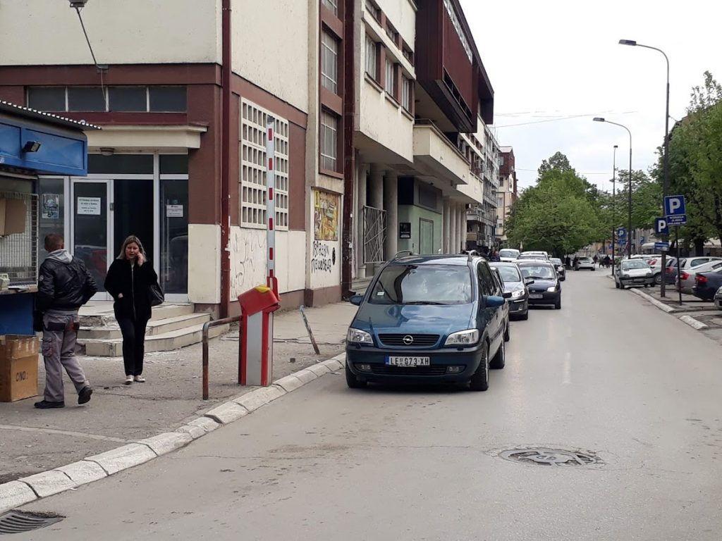 """Leskovac se bori sa manjkom parking prostora, a """"pauk"""" za vreme Roštiljijade kruži gradom do 1 posle ponoći!"""