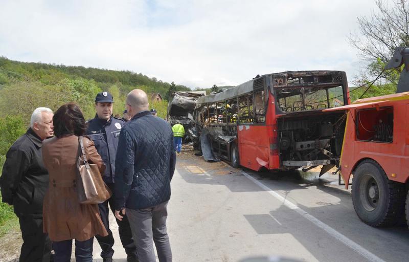 Vozač koji je juče prešao u suprotnu traku pre mesec dana počeo da vozi autobus