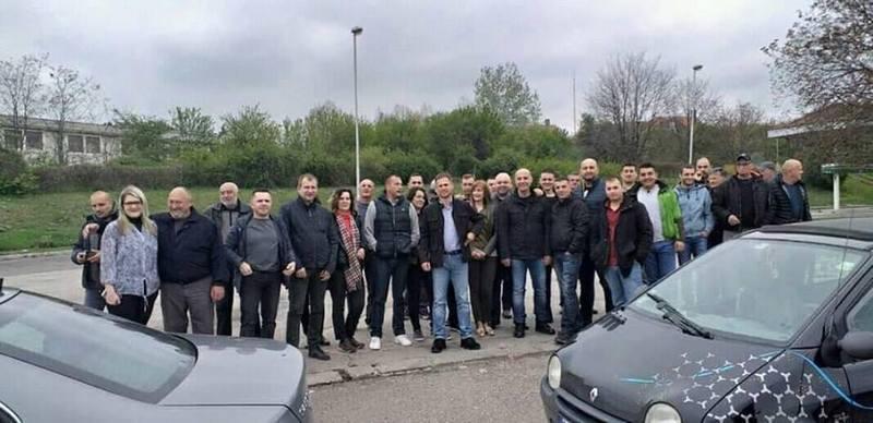Opozicionari sa jugoistoka Srbije krenuli za Beograd u privatnoj režiji
