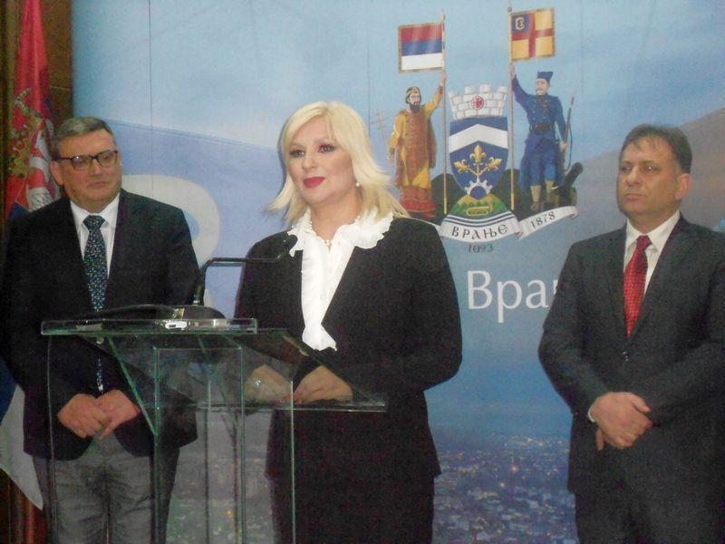 Mihajlović: Vlada će uložiti 1,7 milijardi dinara za puteve u Pčinjskom okrugu