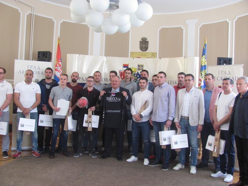 Poziv za sve Leskovčane da u subotu dođu na revijalnu utakmicu superligaša Dubočice 54 protiv reprezentacije Srbije