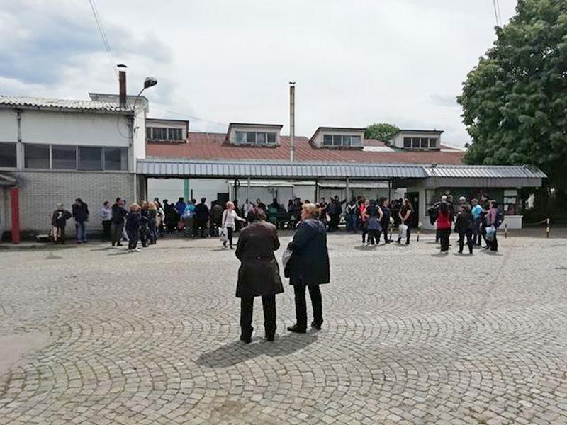 Radnici Jugproma u štrajku zbog neisplaćenih zarada (VIDEO)