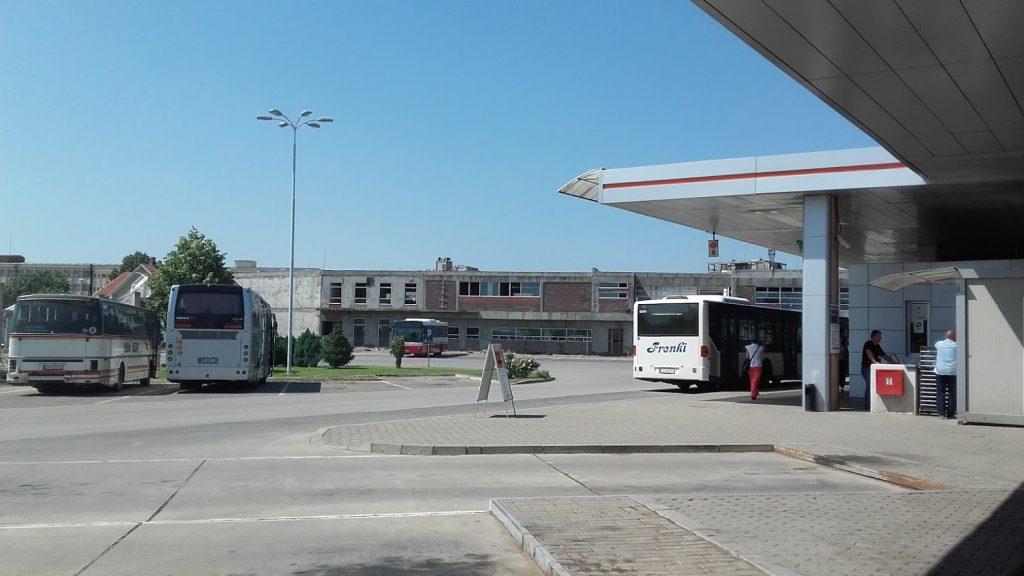 """Otkazani skoro svi autobuski polasci na relaciji Leskovac – Skoplje, redukovane """"đačke"""" linije"""
