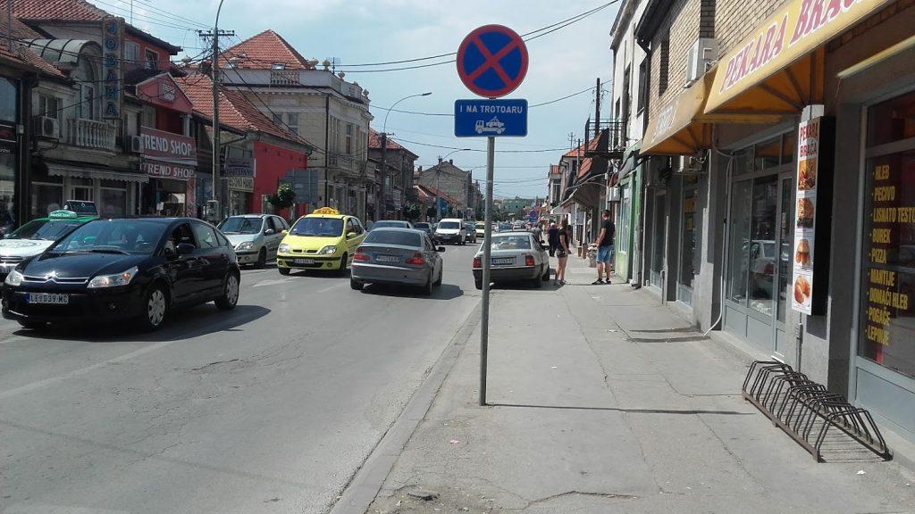 Vlasotinačkoj porodici Valčić vraćeno 5 lokala u Leskovcu
