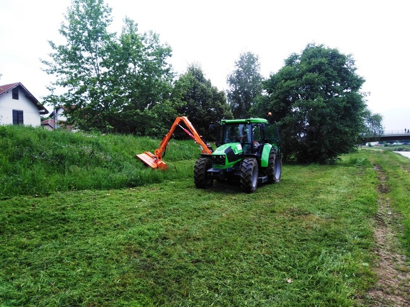 Novom mašinom olakšano uređenje zelenih površina