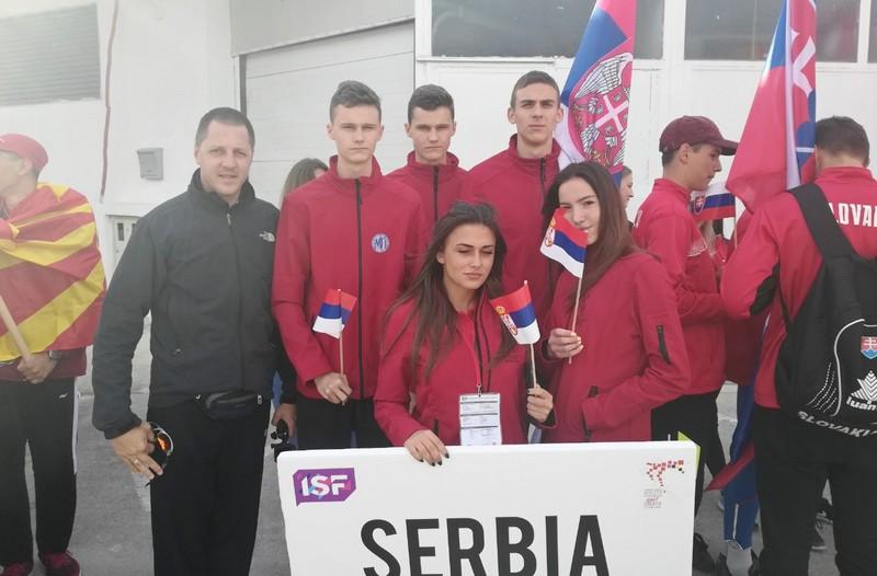 Srpski atletičari, koje predvodi Leskovčanin, igrali Užičko kolo usred Splita (video)
