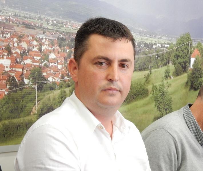 Umesto Miloša Mićića, v.d. direktora Toplane Novica Stojanović
