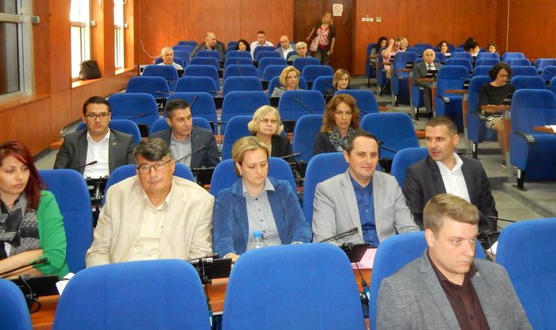 Za samozapošljavanje, javne radove i stručnu praksu 20 miliona dinara