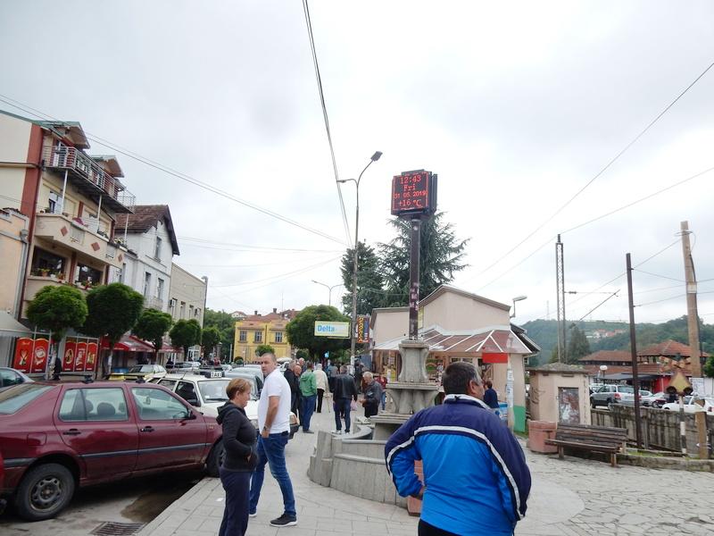 U Vladičinom Hanu zabranjen rad buvlje pijace, kafići i kafane rade do 18 časova