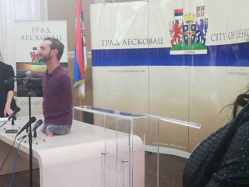 Nik Vujičić govorio i u Leskovcu
