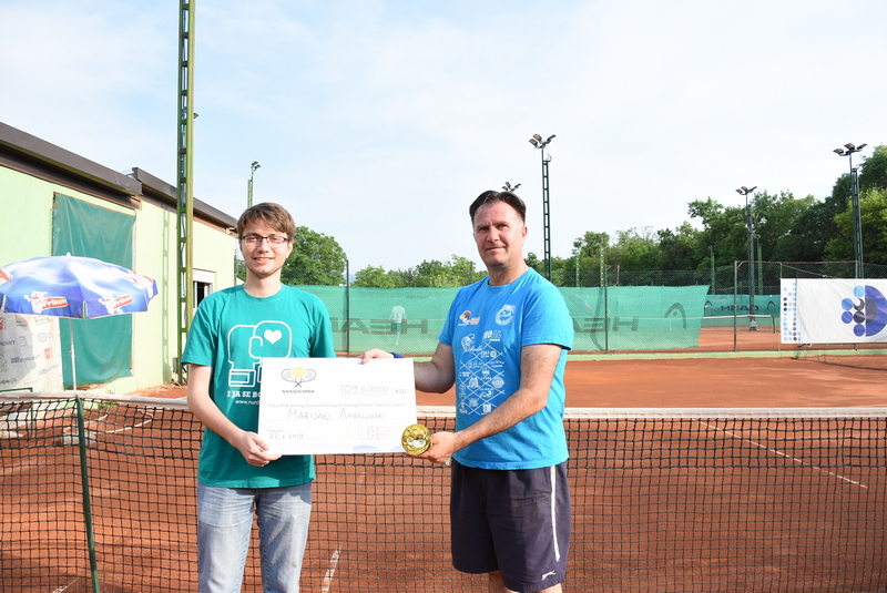 "Marijan Angelovski pobednik prvog humanitarnog teniskog turnira ""Naissus Open"""