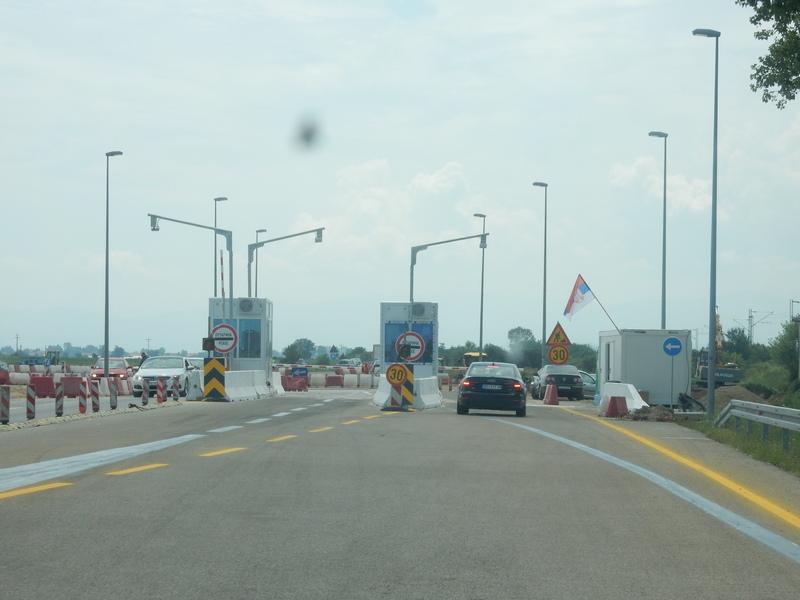 Zbog radova na na deonici petlja Merošina – petlja Doljevac, u smeru Niš-Vranje doće će do preusmeravanje saobraćaja
