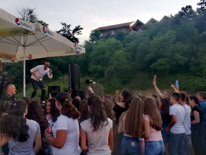 Grad poklonio malim maturantima žurku za pamćenje