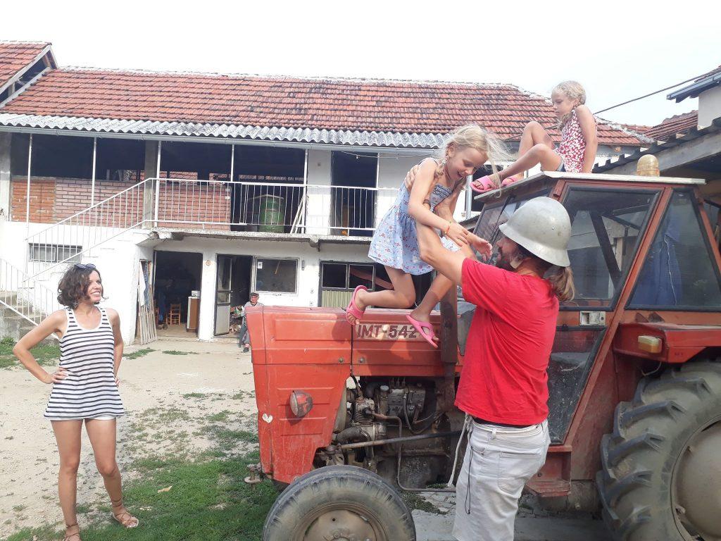 Traktorom obišli ceo svet