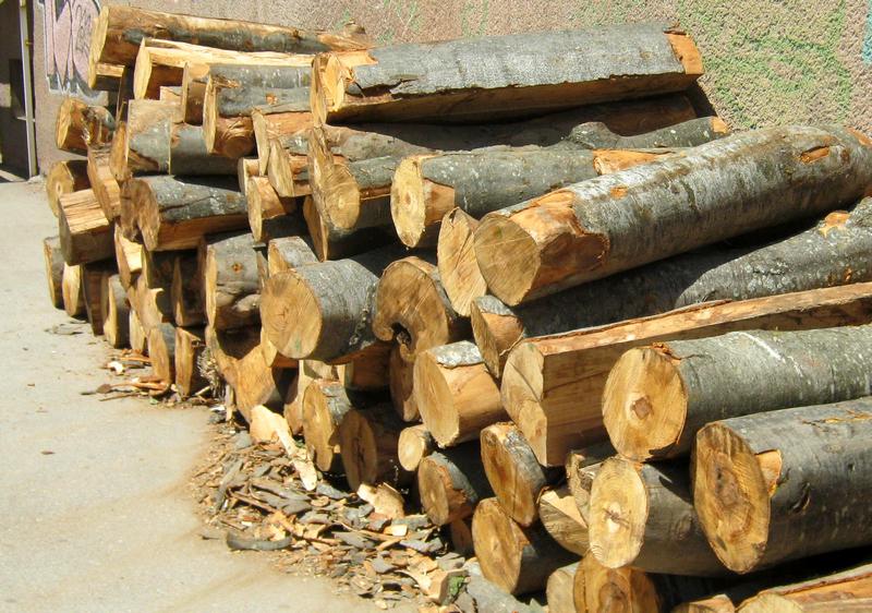 Kubik drva 40 evra, za stare mušterije može i na odloženo plaćanje