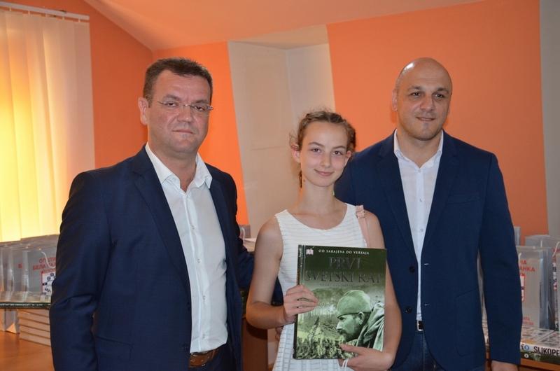 Miljković: Posle završenih studija vratite se u svoju Belu Palanku