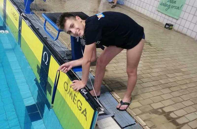 Zlatni Pavle iz Leskovca državni prvak u plivanju