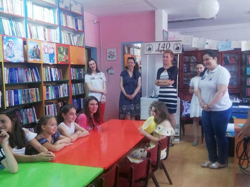 """Natavlja se """"Leto u biblioteci"""", deca danas učila o zloupotrebi psihoaktivnih supstanci"""
