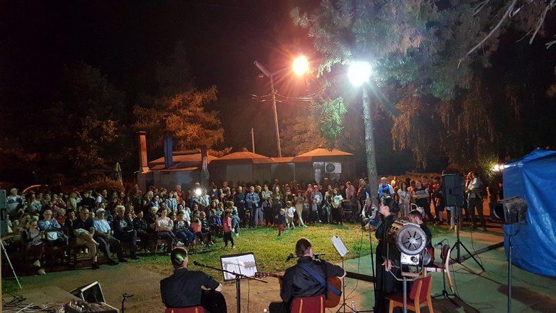 POREČJANSKO LETO Sinoć koncert etno grupe, večeras veče narodne muzike