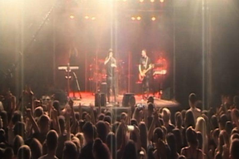 Organizovali rok koncert a nisu angažovali medicinsku ekipu: Devojka se povredila, spašavala je volonterka