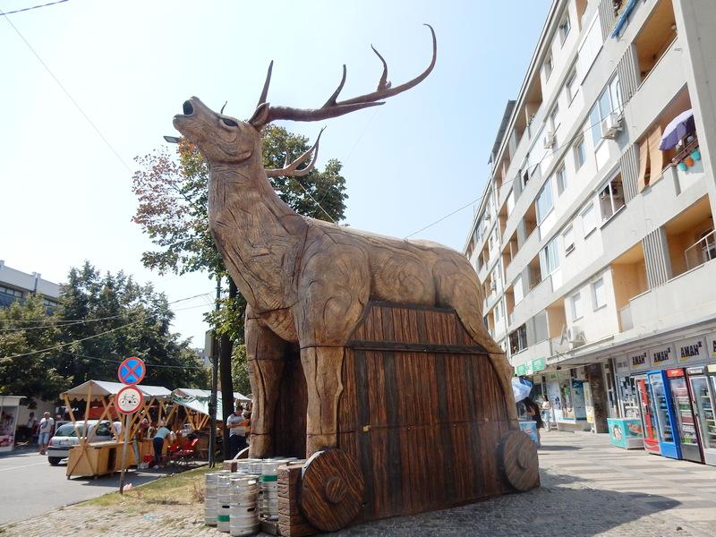 I džinovski jelen na Roštiljijadi