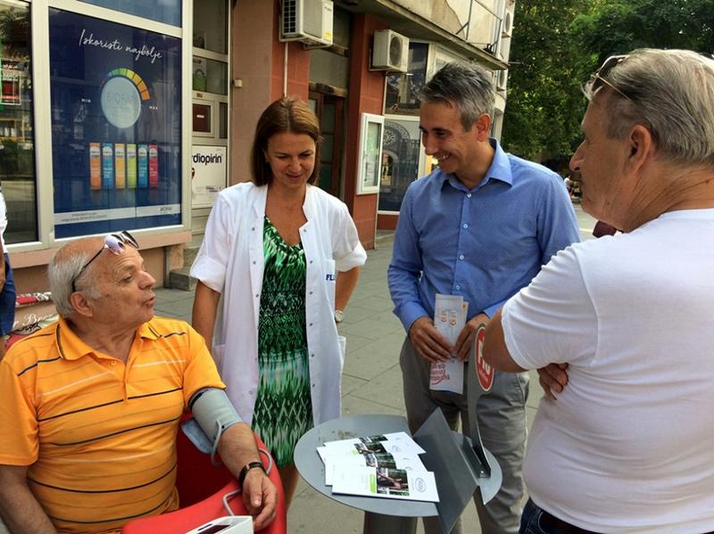 Gradonačelnik u centru grada razgovarao sa građanima