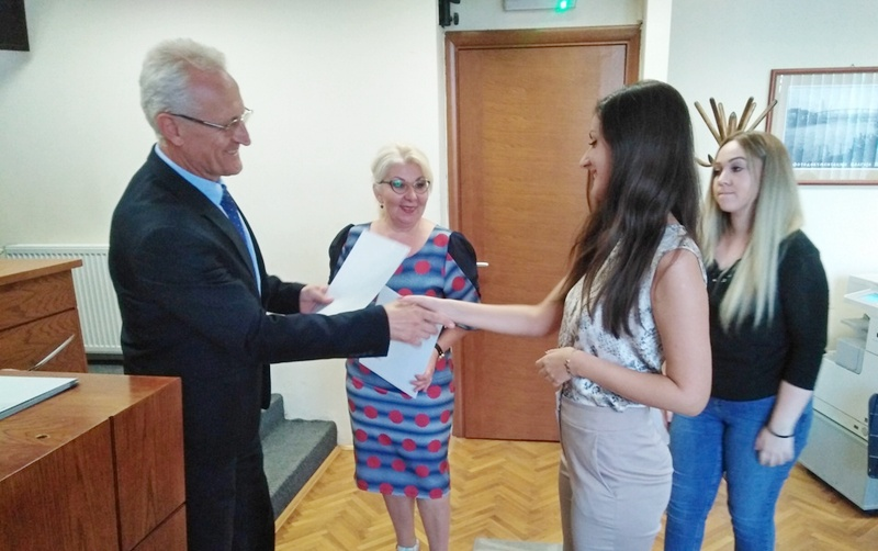 Uručeni ugovori o obavljanju stručne prakse