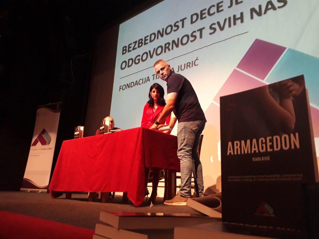 Igor Jurić i Vlada Arsić u Leskovcu: Pedofilija je u ekspanziji, deca nam nestaju!