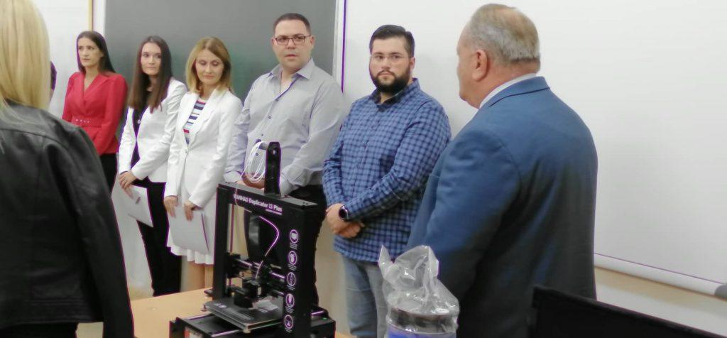 Leskovačka Gimnazija dobila na poklon 3D štampač