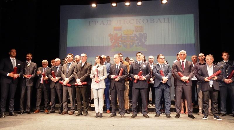 Dan Leskovca u znaku najave podizanja nove fabrike i emotivnih govora dobitnika medalja – VIDEO