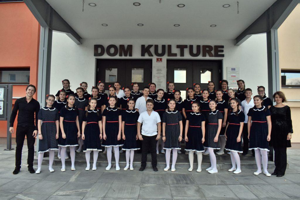 Zvezdice održale humanitarni koncert u Sloveniji i prikupile pomoć za lečenje dečaka iz Leskovca