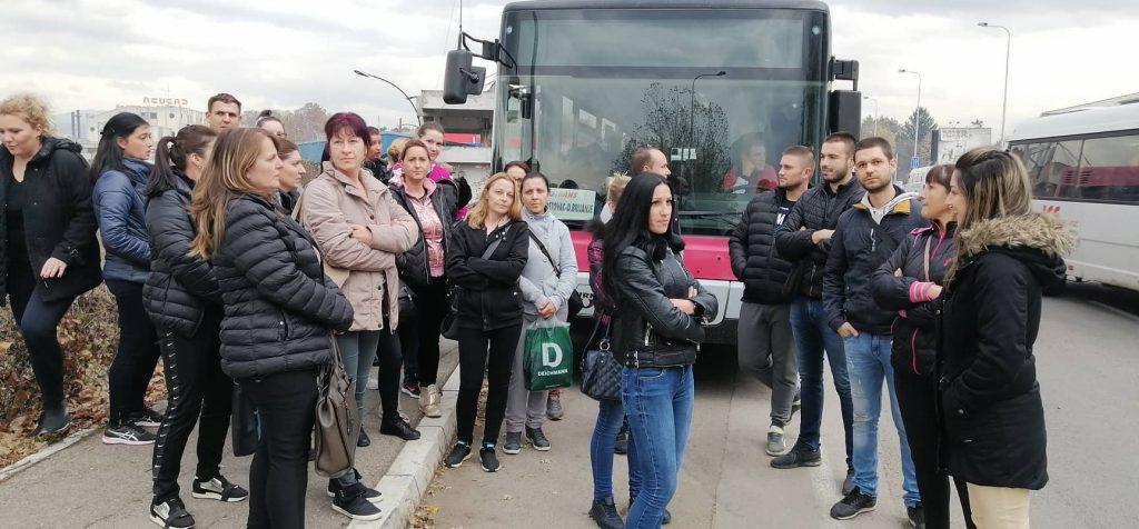 """Radnici  Yure blokirali polazak autobusa """"Jugotransa"""" nezadovoljni cenama karte i uslovima prevoza"""