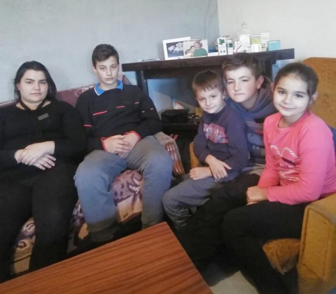 Posle smrti supruga majka ne zna kako da iškoluje petoro maloletne dece