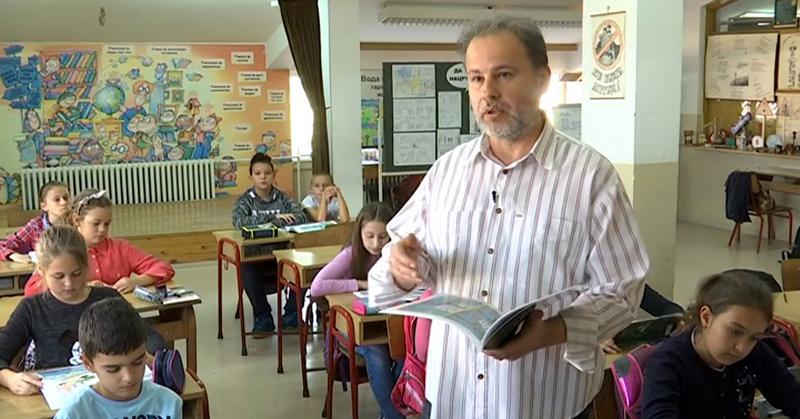 Učitelj Dejanović prekinuo štrajk glađu