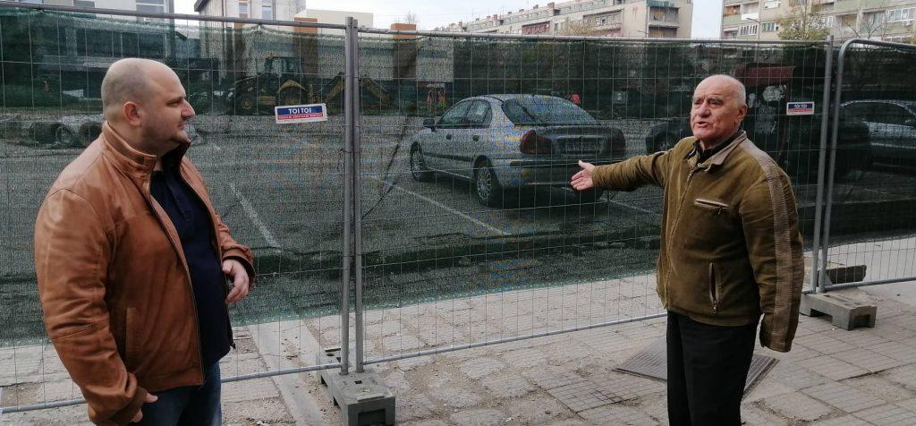 Stefanović novinarima: Vi ste mi palili kuću, gradonačelnik vas potplatio
