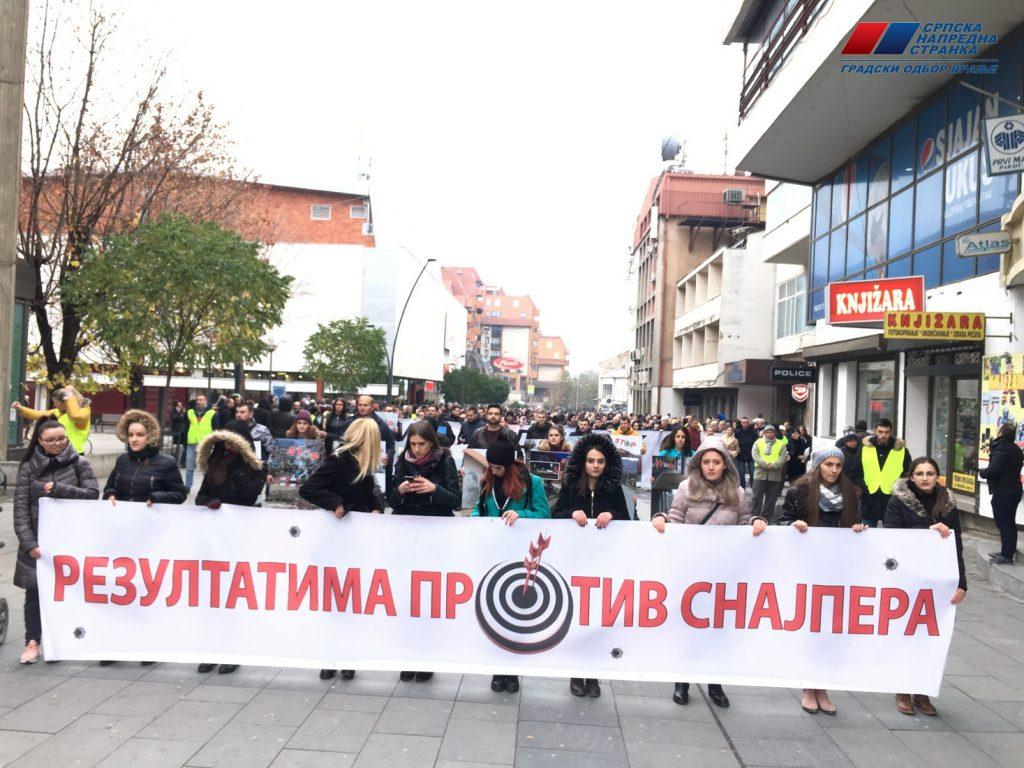 I u Vranju šetnja podrške Vučiću, a protiv medija koji ga kritikuju