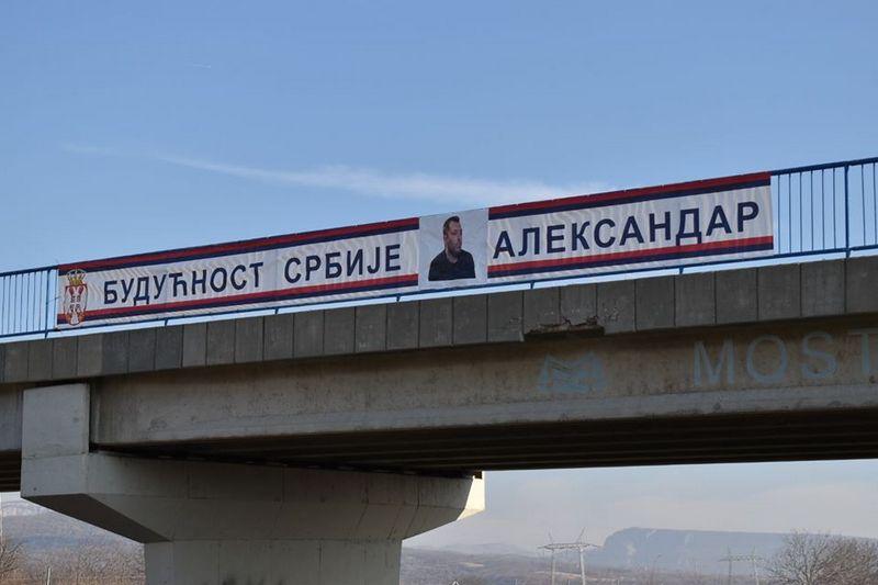Umesto plakata s likom Vučića zalepili plakat uzbunjivača iz Krušika