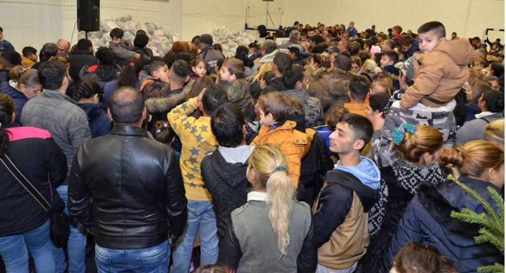 """U hali """"Partizan"""" podeljeno 1.500 paketića za decu"""