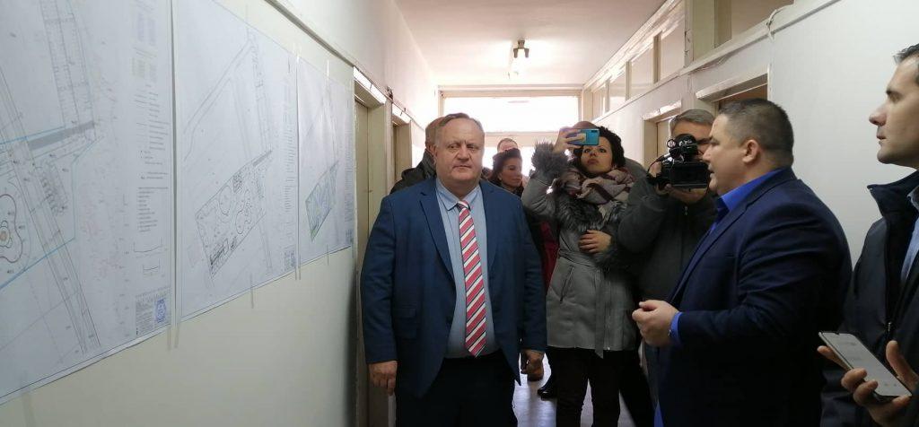 Gradonačelnik Leskovca prvog radnog dana proveravao kako teku pripreme za realizaciju svega planiranog u ovoj godini