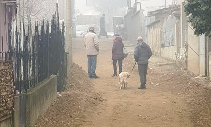 Sokak asfaltiraju tri meseca, slepom čoveku blokirali ulaz u dvorište