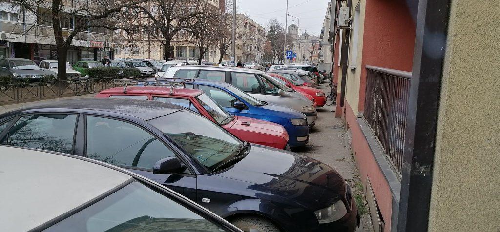 Danas borba za parking mesto u centru Leskovca, a nekada su tu bile garaže